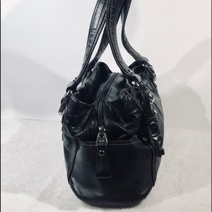 Fossil Bags - 👛2/$50Fossil Black Leather Satchel